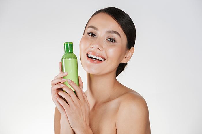 Les meilleurs laits démaquillants pour le visage