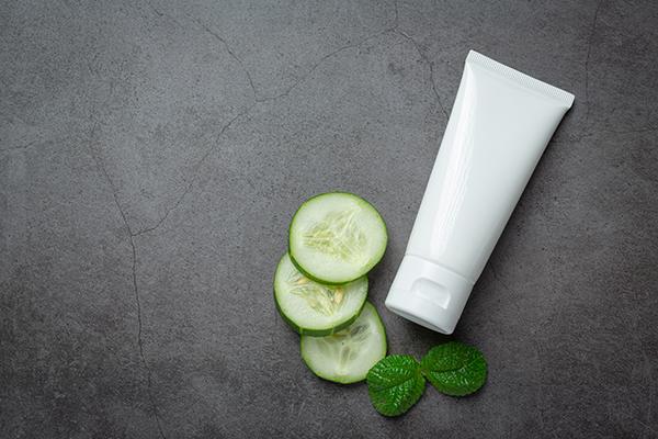 Choisir un soin hydratant pour peau grasse