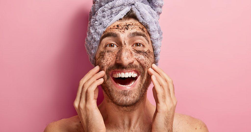 Gommage pour le visage des hommes