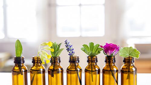 Comment utiliser les huiles essentielles pour le visage