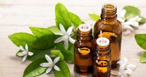 Les huiles essentielles pour une peau très sèche à utiliser dans sa routine beauté
