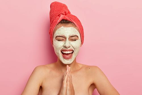 Le masque pour le visage à l'huile d'argan