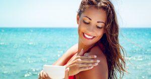 La crème solaire avant ou après la crème de jour