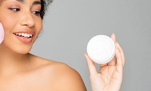 Quel avis les dermatologues ont pour la brosse nettoyante pour le visage